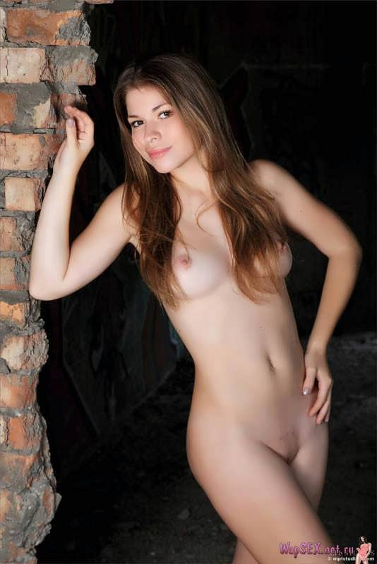 Olesya Hole In The Wall ErosBerry 1
